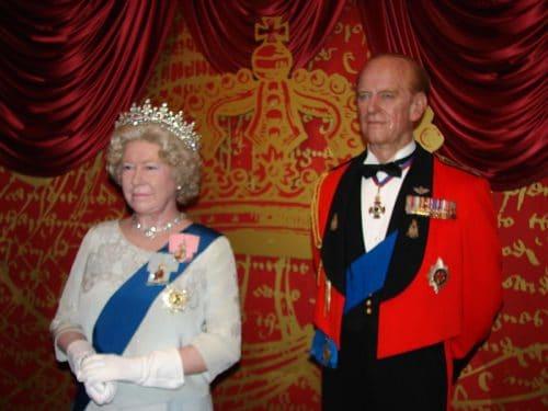 Elizabeth_II - Wikipedia